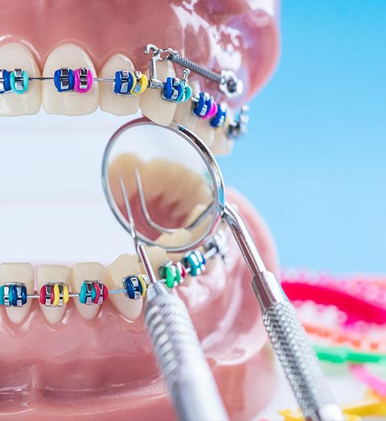 Lekarz dentysta specjalista ortodoncji